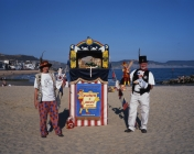 punch-judy-davey-couple-lyme-regis-web